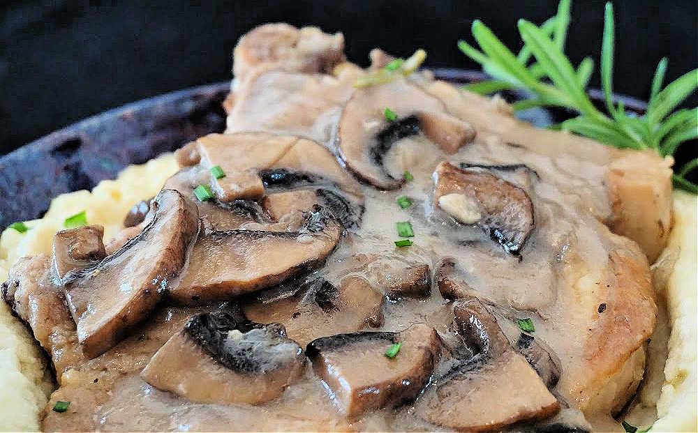 Instant Pot Pork Chops with Mushroom Sauce